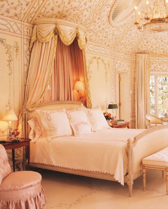 Romantic French Flair Rooms and Decorating Ideas (24)
