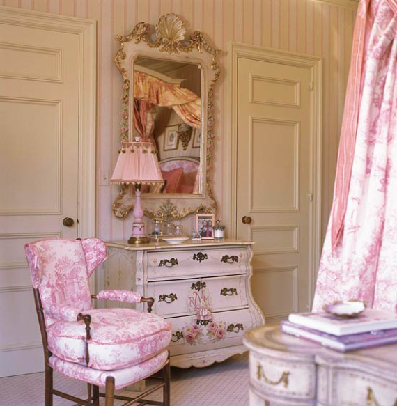 Romantic French Flair Rooms and Decorating Ideas (48)