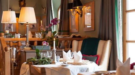 Ski Hideaway-Jagdgut Wachtelhof Hotel In Austria  (2)