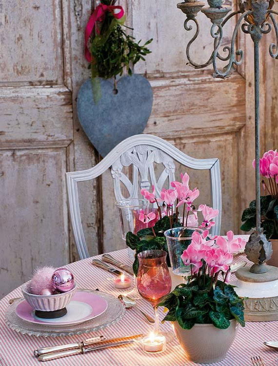 Table Decorating Ideas for Valentines Day (19)