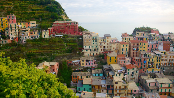 The Colorful Cliff-Side Town of Manarola , La Spezia,  Italy (15)