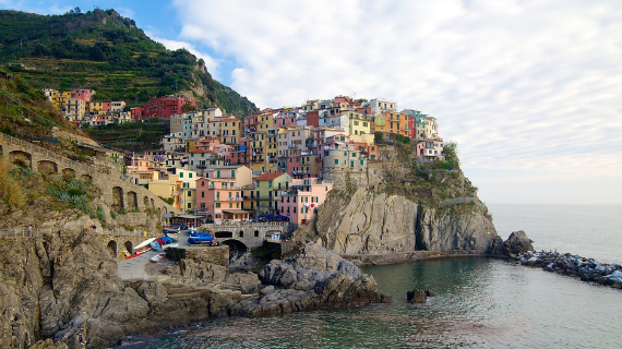 The Colorful Cliff-Side Town of Manarola , La Spezia,  Italy (20)