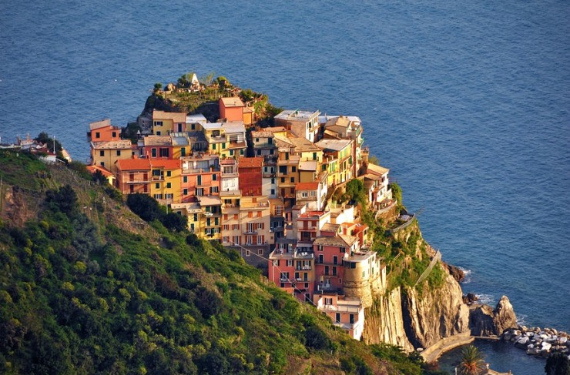 The Colorful Cliff-Side Town of Manarola , La Spezia,  Italy (23)
