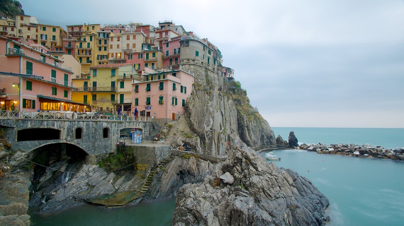 The Colorful Cliff-Side Town of Manarola , La Spezia,  Italy (9)