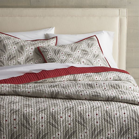 winterberry-quilts-and-pillow-shams