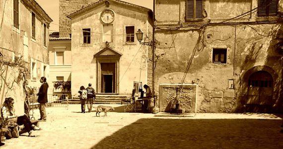 Calcata A Precarious Small Town In Italy (2)