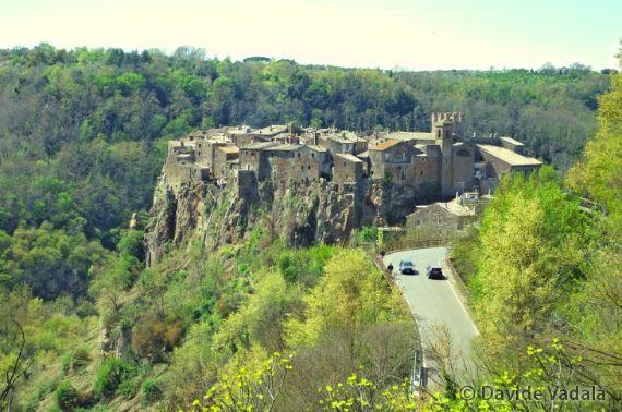 Calcata A Precarious Small Town In Italy (8)