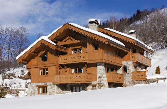 charming-traditional-ski-chalet-brioche-in-the-french-alps-9