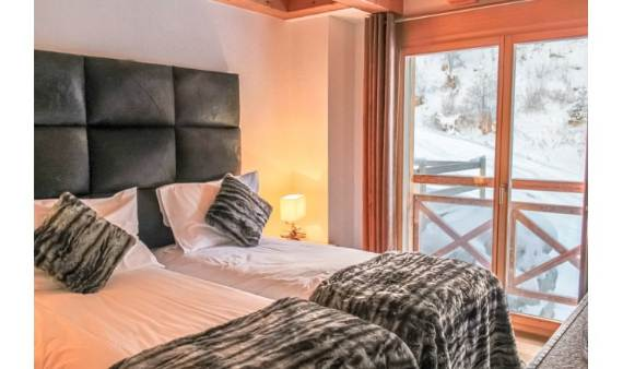 comfort-and-relaxation-in-the-swiss-alps-the-chalet-eugenie-chalet-9