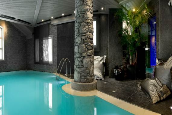 exquisite-holiday-retreat-in-the-french-alps-white-pearl-chalet-18