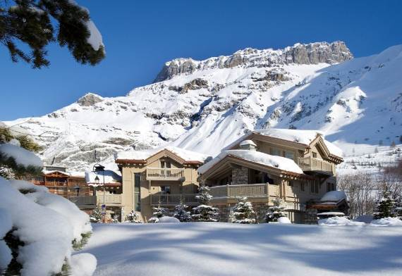 Exquisite Holiday Retreat in the French Alps White Pearl