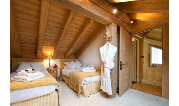 luxurious-chalet-du-vallon-offering-extended-views-of-the-alps-in-meribel-france-8
