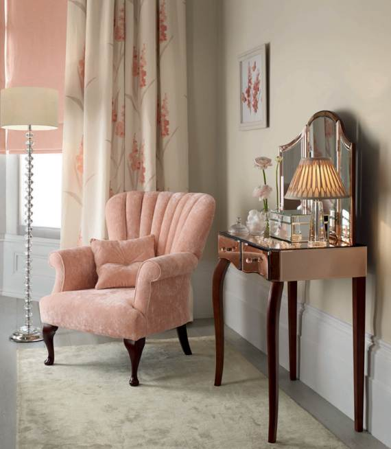 romantic-symphony-of-silence-in-the-new-interior-painterly-floral-from-laura-ashley-15