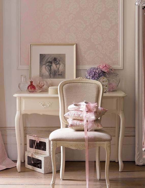 romantic-symphony-of-silence-in-the-new-interior-painterly-floral-from-laura-ashley-18