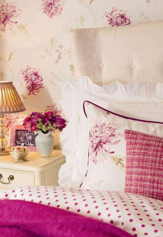romantic-symphony-of-silence-in-the-new-interior-painterly-floral-from-laura-ashley-2