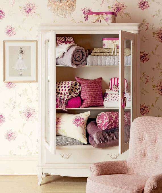 romantic-symphony-of-silence-in-the-new-interior-painterly-floral-from-laura-ashley-3