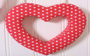 Sweet DIY Heart Crafts Ideas For Valentine's Day