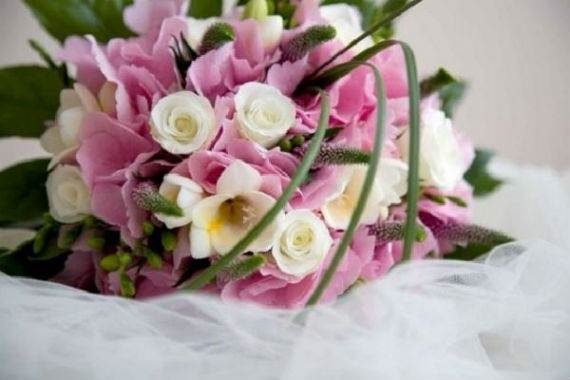 45-Awesome-Mother's-Day-Flower-Gift-Decoration-Ideas-14