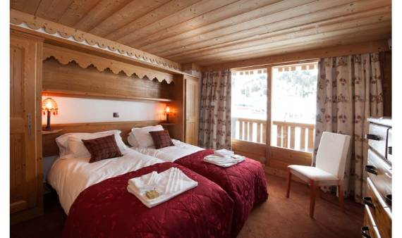 holiday-teasing-impressive-annecy-suite-in-la-plagn-paradiski-france-7