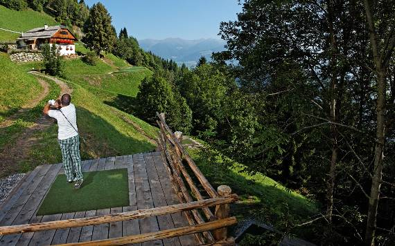 italys-best-ski-chalet-san-lorenzo-in-touch-with-the-charming-italian-landscape-14