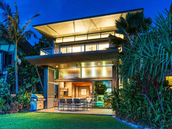 Luxury Yacht Club Villa 6 Blending in With Sea Waters Hamilton Island, Queensland, Australia (29)