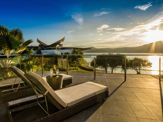 Luxury Yacht Club Villa 6 Blending in With Sea Waters Hamilton Island, Queensland, Australia (38)