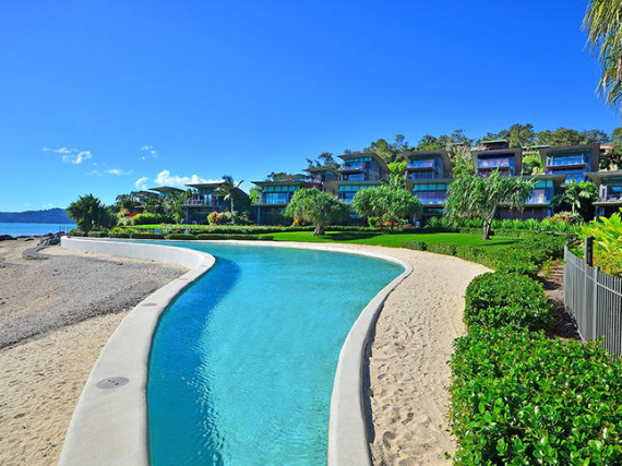 Luxury Yacht Club Villa 6 Blending in With Sea Waters Hamilton Island, Queensland, Australia (7)