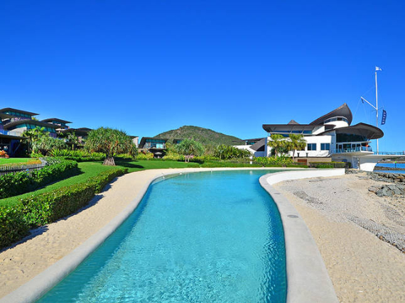 Luxury Yacht Club Villa 6 Blending in With Sea Waters Hamilton Island, Queensland, Australia (8)