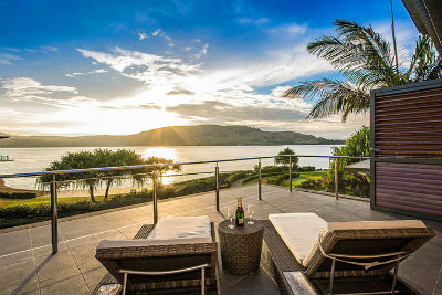 Luxury Yacht Club Villa 6 Blending in With Sea Waters: Hamilton Island, Queensland, Australia