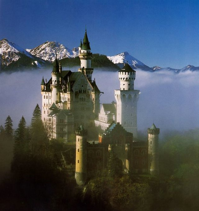 The Swan King's Castles Neuschwanstein– Germany (4)