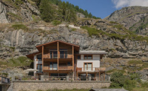 Chalet Ibron – Luxury Ski Paradise in Swiss Alps