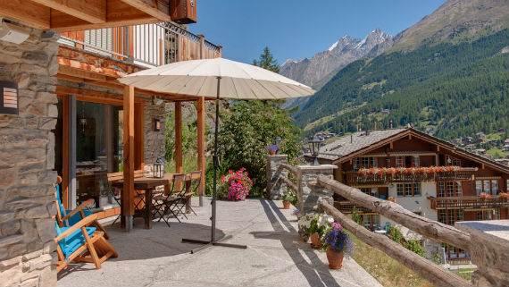 chalet-ibron-luxury-ski-paradise-in-swiss-alps-22