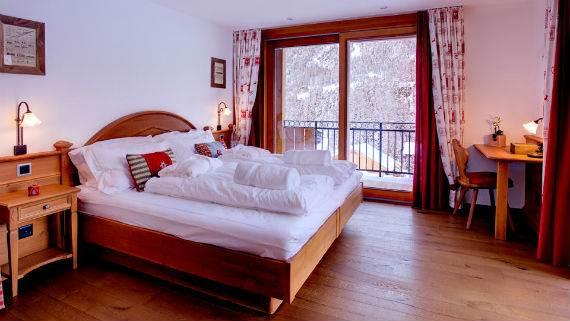 chalet-ibron-luxury-ski-paradise-in-swiss-alps-23