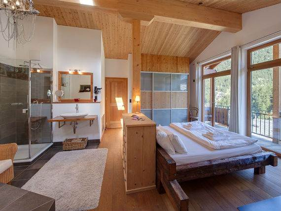 chalet-ibron-luxury-ski-paradise-in-swiss-alps-7