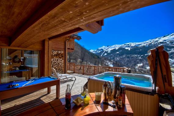 design-simplicity-and-nobility-fascinating-chalet-infusion-in-the-french-alps-1