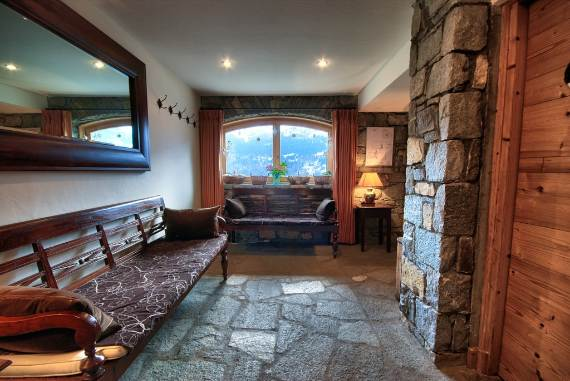 design-simplicity-and-nobility-fascinating-chalet-infusion-in-the-french-alps-6