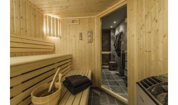 exceptional-alpine-ski-lodge-in-the-french-alps-chalet-belvedere-2
