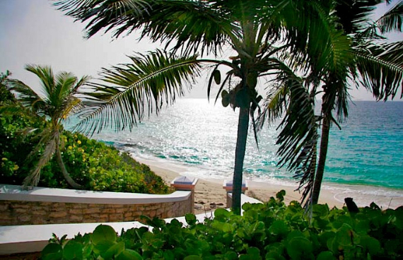 Living Large Within a Natural Paradise The Little Whale Cay in Bahamas (4)