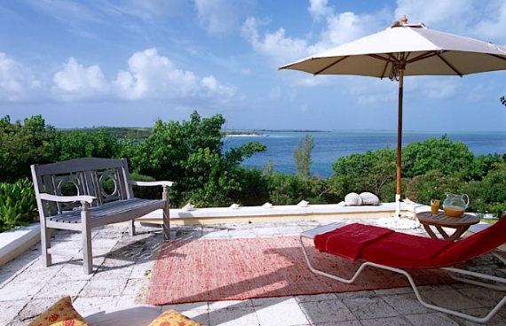 Living Large Within a Natural Paradise The Little Whale Cay in Bahamas (6)