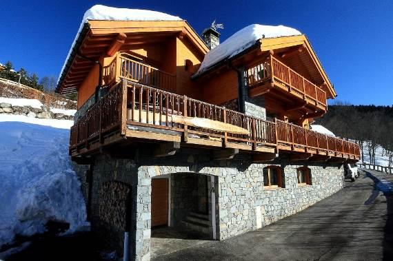 luxurious-ski-retreat-offering-mesmerizing-views-chalet-iamato-meribel-france-1