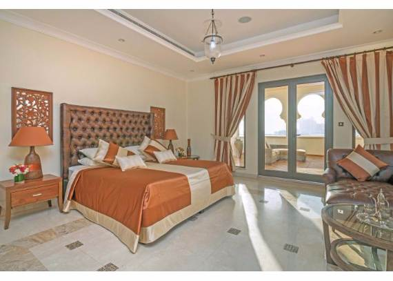 luxury-villa-that-offer-the-sweetest-escape-in-dubai-palm-island-mansion-14