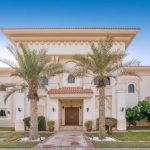 Luxury Villa that Offer the Sweetest Escape in Dubai Palm Island Mansion
