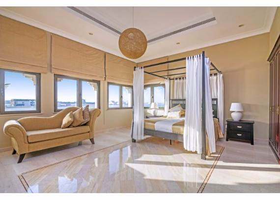 luxury-villa-that-offer-the-sweetest-escape-in-dubai-palm-island-mansion-8