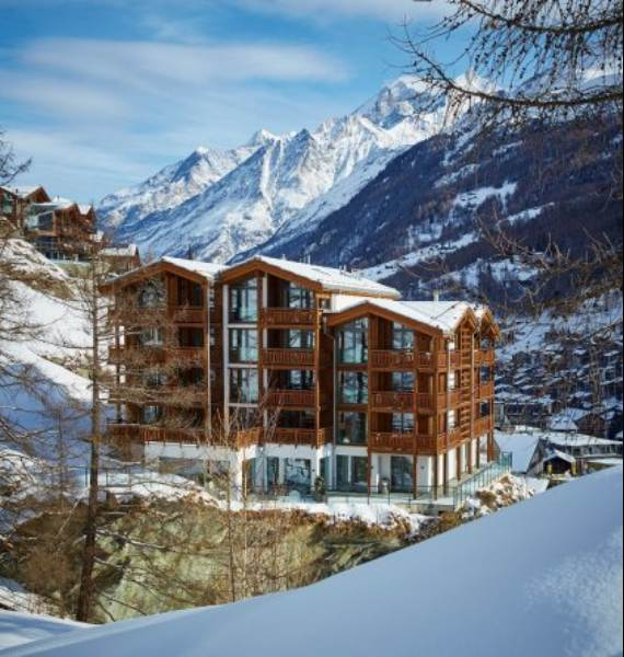 spectacular-chalet-in-switzerland-watching-over-the-iconic-zermatt-7