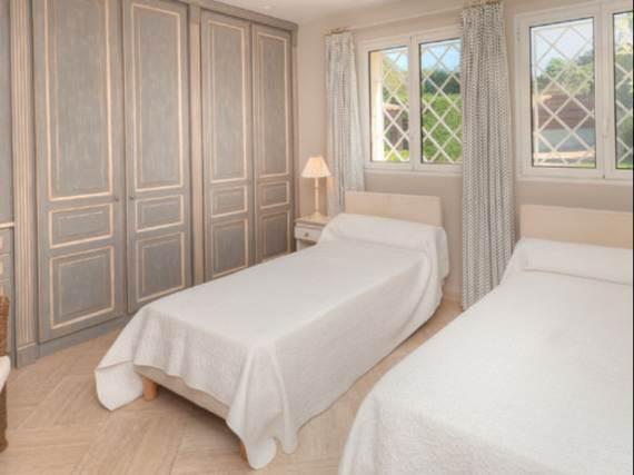 the-exclusive-cozy-breezy-villa-victoria-in-saint-tropez-22