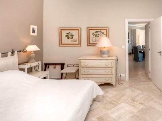 the-exclusive-cozy-breezy-villa-victoria-in-saint-tropez-30