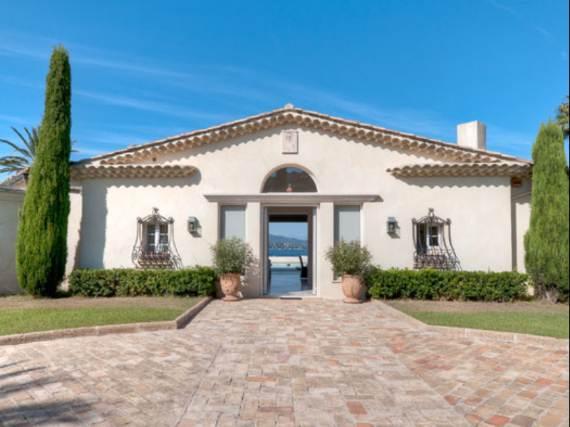 the-exclusive-cozy-breezy-villa-victoria-in-saint-tropez-4