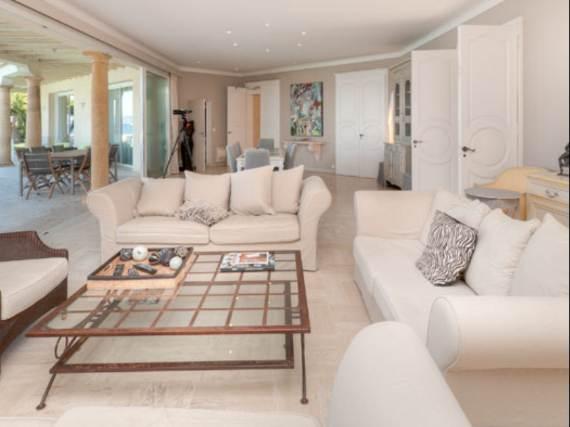 the-exclusive-cozy-breezy-villa-victoria-in-saint-tropez-6