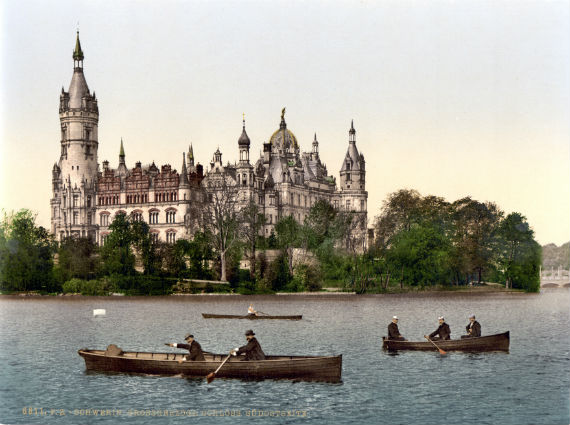 The Jewel Of Lake Schwerin- Schwerin Castle And Park (7)