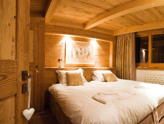 the-unique-luxury-experience-of-the-french-alp-chalet-lugano-suite-11